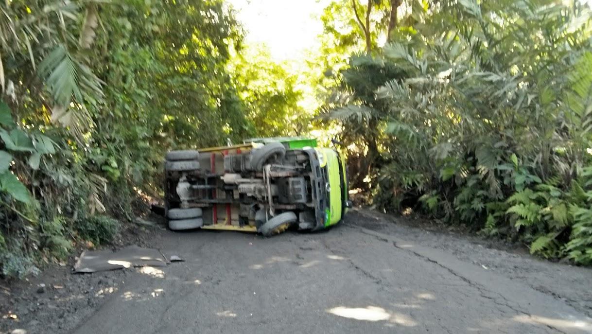 Image : Misteri  Sering Terjadinya Truck Terguling di Tanjakan Kali Batang