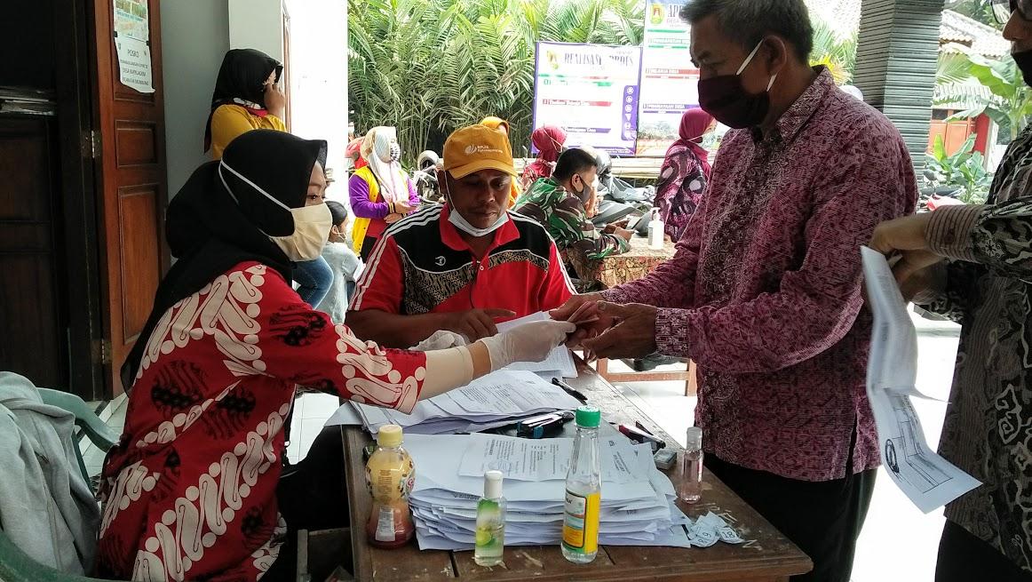 Image : Warga Merasa Lega dan Senang, Bantuan Sosial JPS Di Salurkan